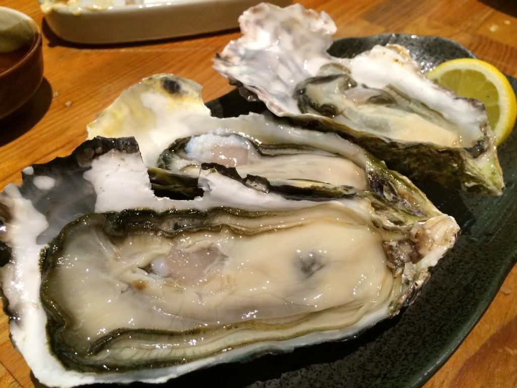 本日の生牡蠣 3種セット 1400円