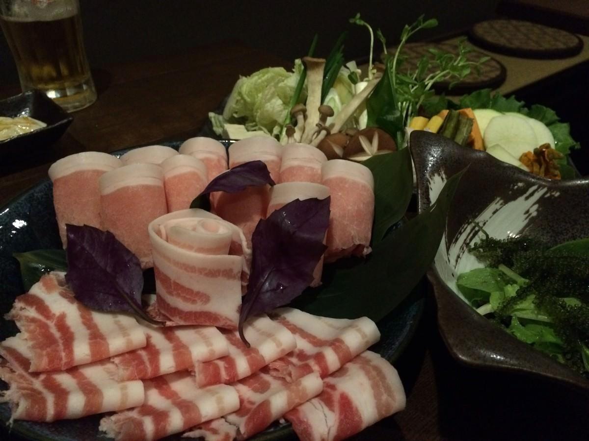 金武アグーと県産野菜盛り合わせ