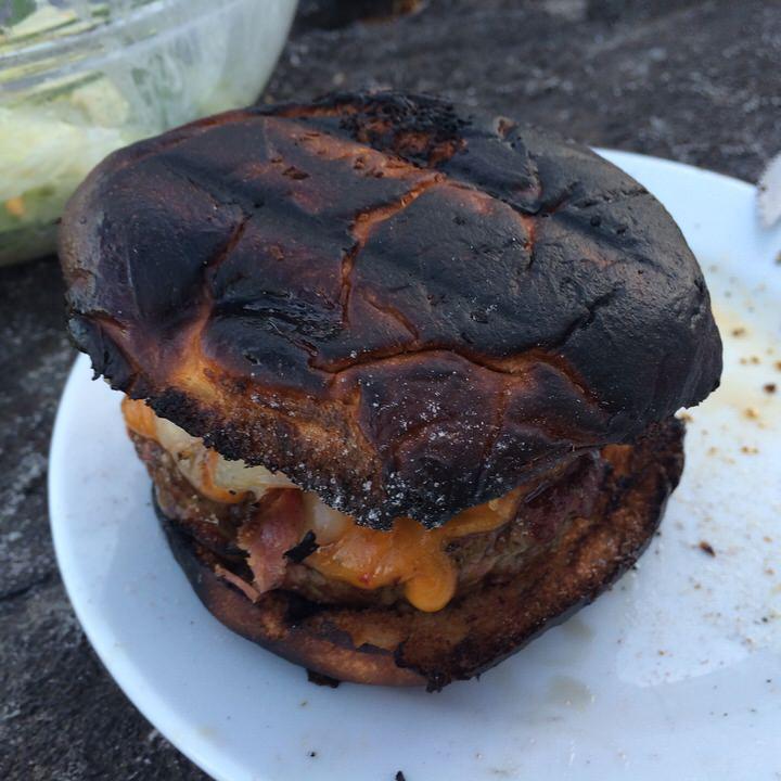 パンはちょっと焼きすぎました
