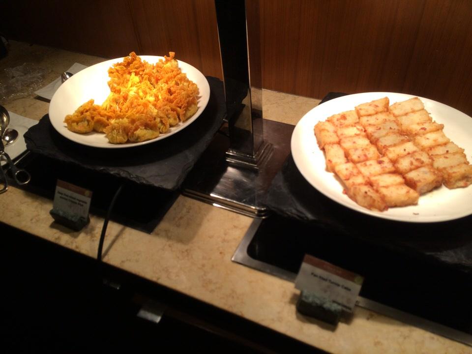 大根餅に揚げ餃子。揚げ物もあります
