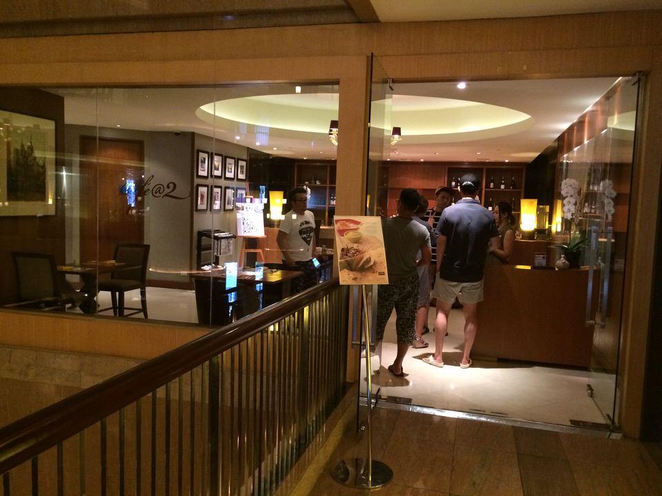朝食ブッフェ会場 「CAFE@2」入り口