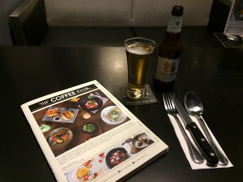 シンハービール (95THB)で乾杯