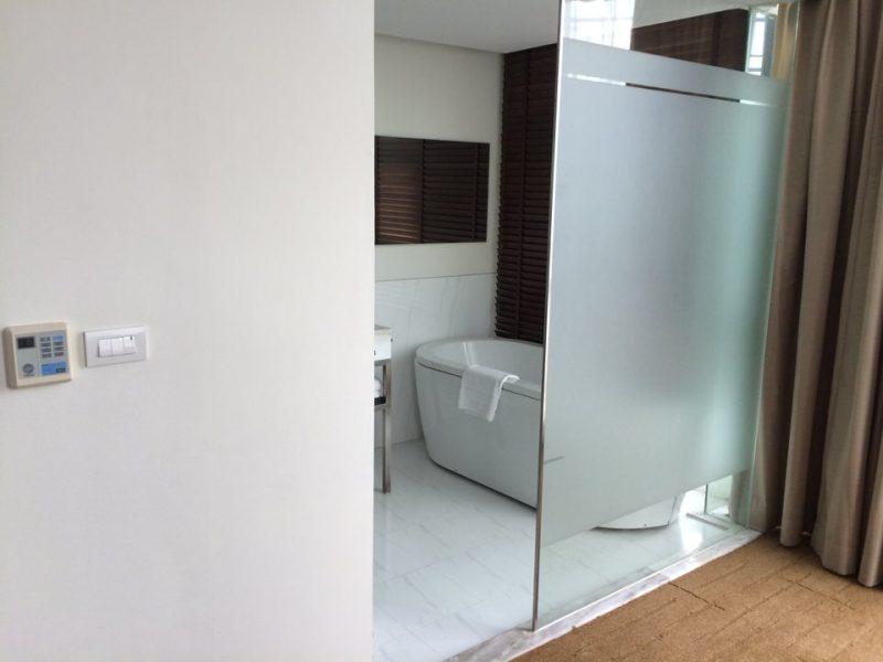 メインベッドルームのシャワールーム