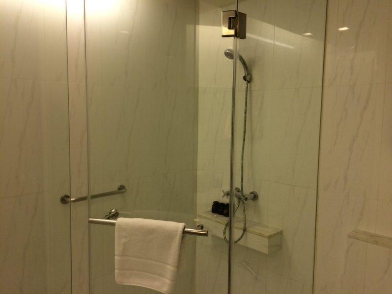 ゲストルームのシャワー