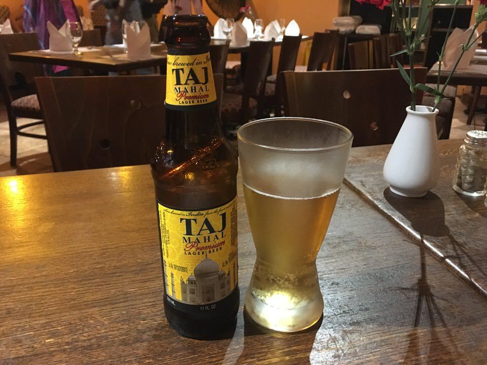 インドビールのタージマハル(TAJ MAHAL) 12oz $6.95