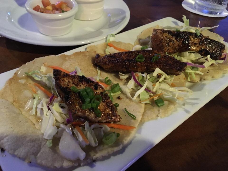 フィッシュタコス (Fish Tacos) $21.00