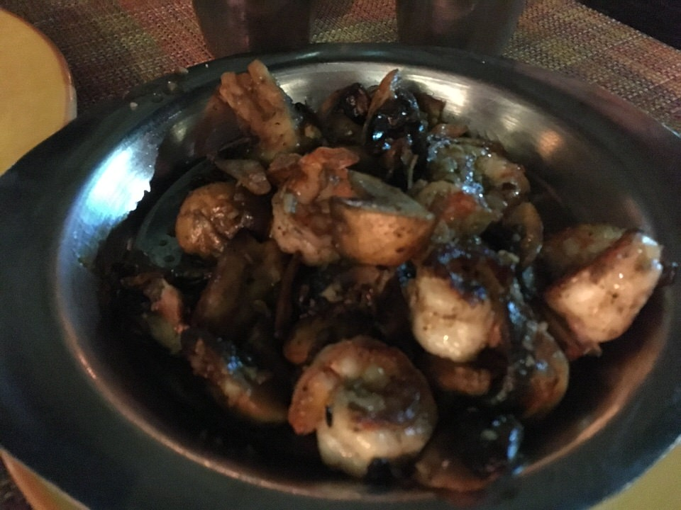 Mushroom & Shrimp with garlic & chile 135ペソ