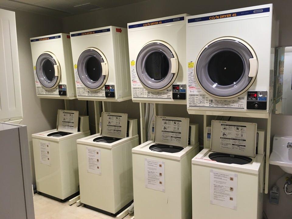 5台の洗濯機・乾燥機が用意されています。