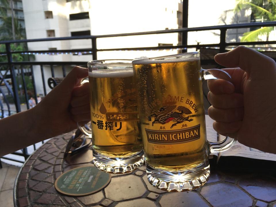半額(3ドル)のKirinで乾杯!