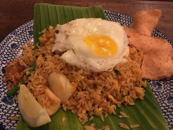 Nasi goreng インドネシア風ナシゴレン 14.5ドル