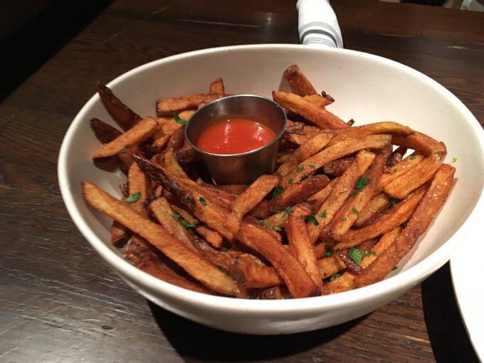 French Fries フレンチフライ 7ドル