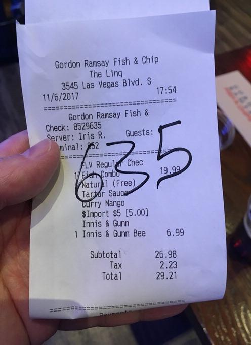 フィッシュ&チップスとボトルビール2本で29.21ドル