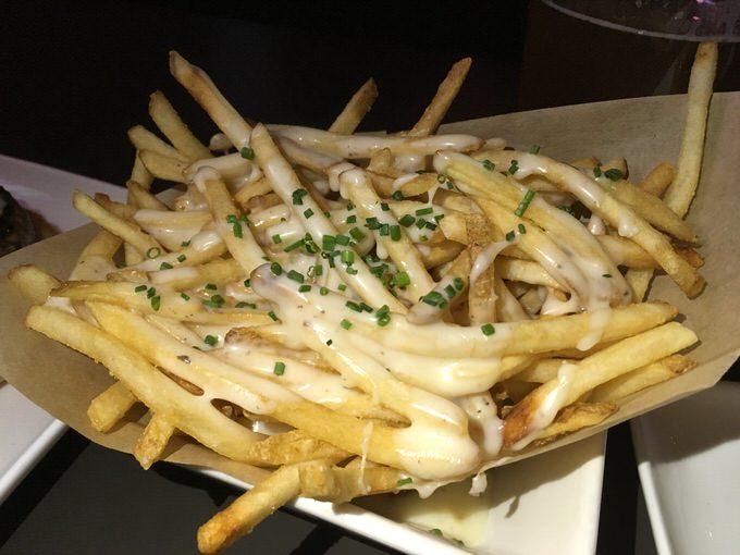 truffle fries トリュフフライ 7.95ドル
