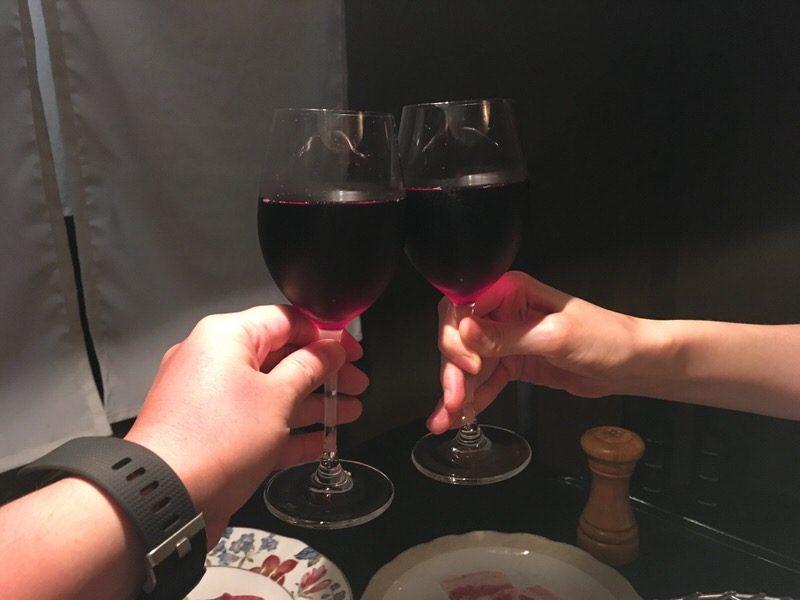 2杯目はグラスワインの赤