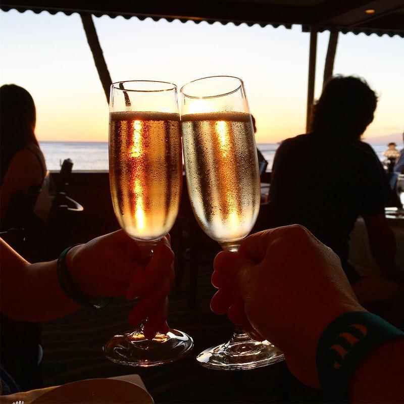 記念日なのでスパークリングワインで乾杯!