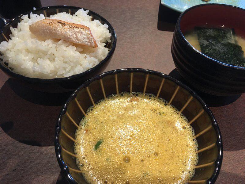 メイン?のご飯と味噌汁と納豆