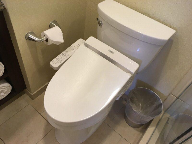 ウォシュレット付きトイレ