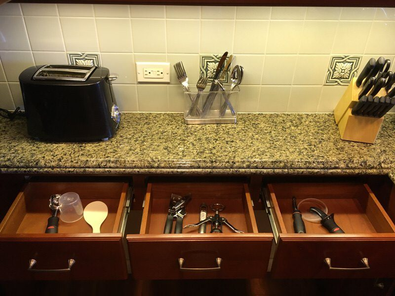 キッチンの引き出しにはカトラリー