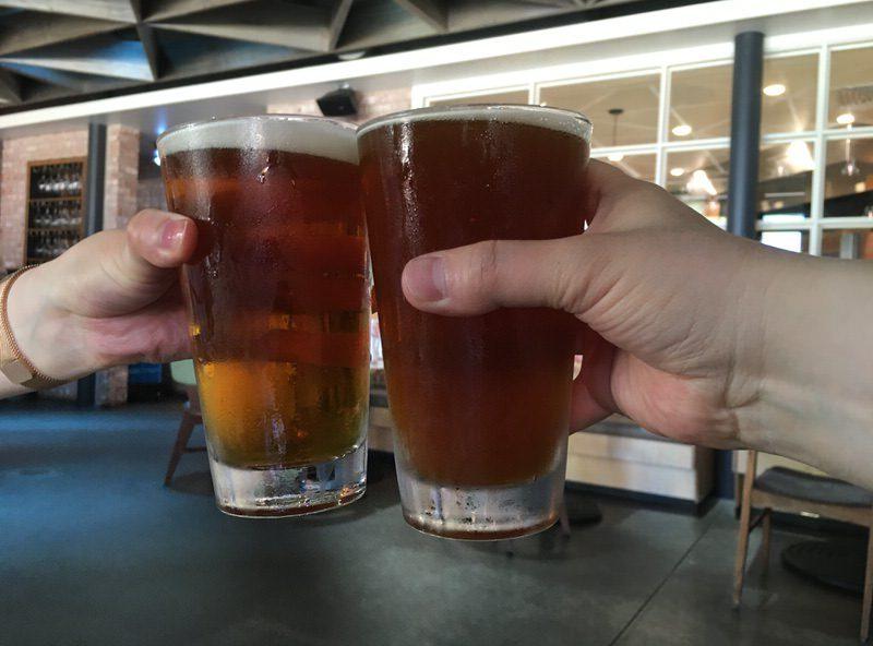 ハッピーアワー価格7ドルのBallast Point Sculpin IPAで乾杯!