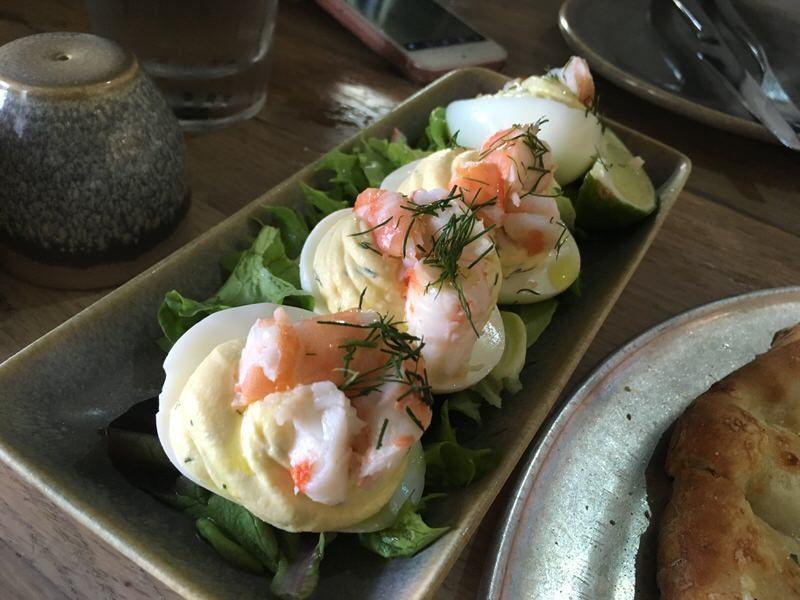 半額のKauai Shrimp Deviled Egg 9ドル