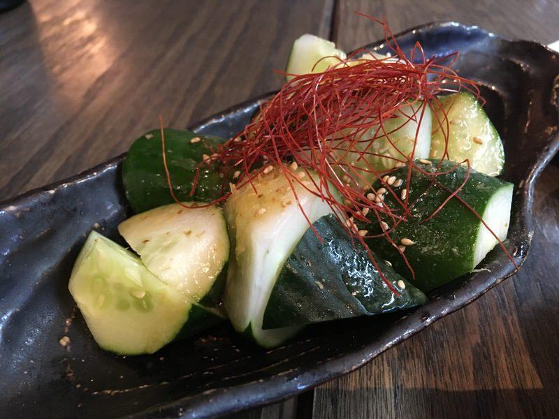 たたききゅうり・すり胡麻塩タレ 4ドル (通常6ドル)