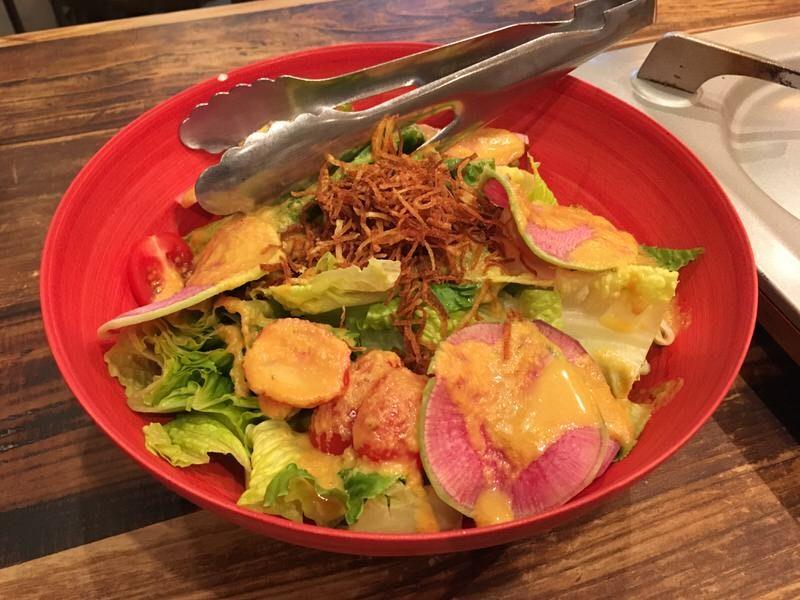 1品目:みのりシーザーサラダ (Minori Caesar Salad)