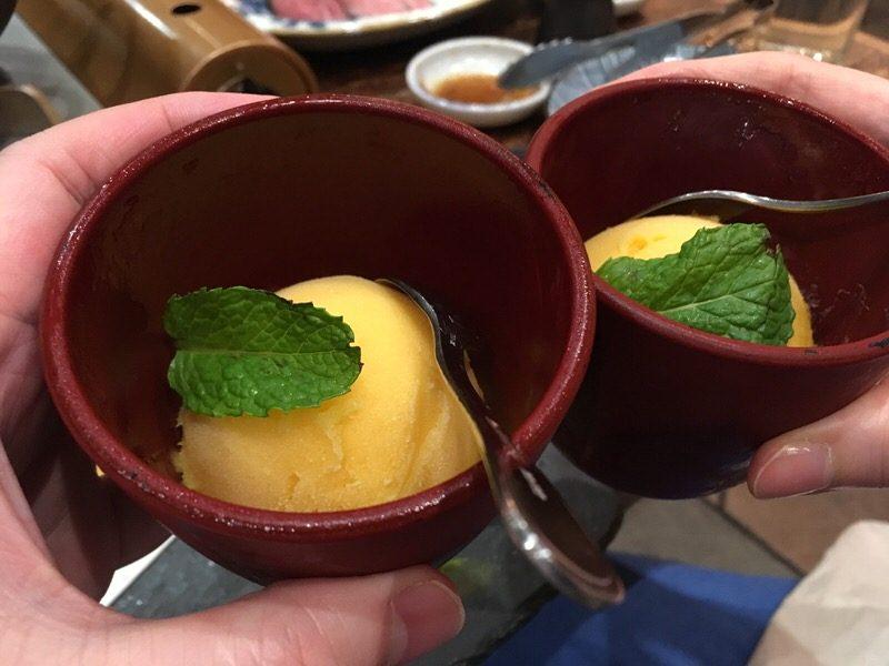 10品目:デザート・マンゴーシャーベット (Desert, Mango Sorbet)