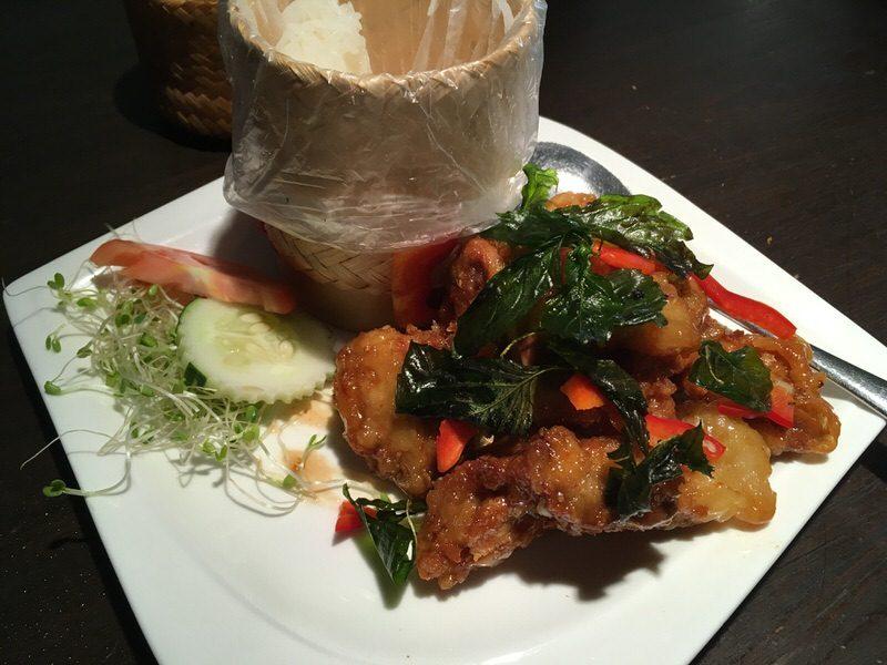 Crispy Garlic Chicken 11ドル