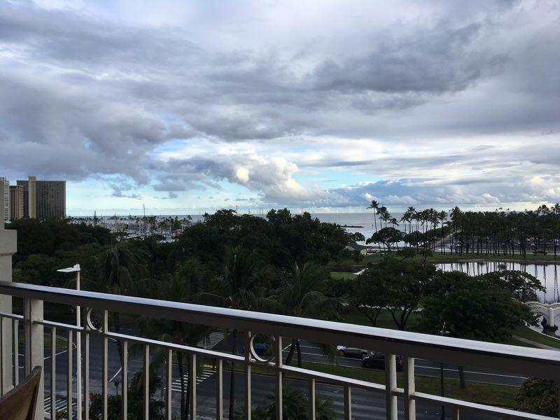 マリポサのテラス席からの景色 ヨットハーバーが見えます。